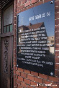 Dawny Zakład Nr 1 Swarzędzkich Fabryk Mebli (tablica pamiątkowa), wcześniej Tartak Parowy – Obróbka Drewna Franciszka Zawidzkiego, ul. Poznańska 25